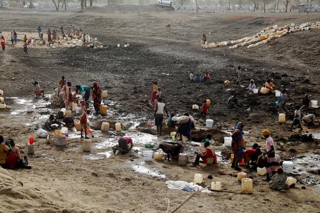 refugeeswater640 629x418 Escassez de água também pode fomentar cooperação