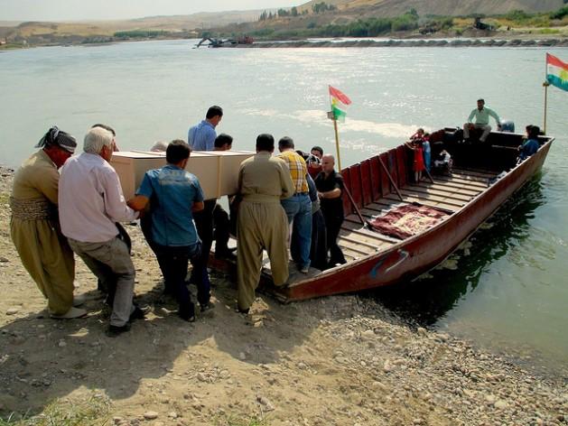 kurditos 629x472 Não são apenas os mortos que voltam à Síria