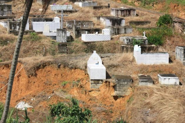 """cemiterio """"Aqui no Caribe já convivemos com a mudança climática"""""""