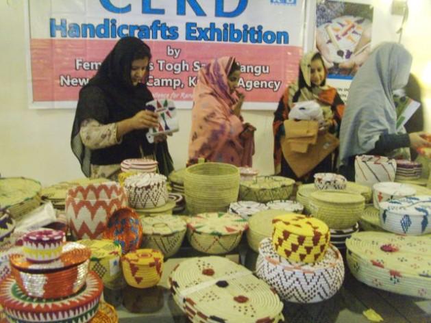 mulheres Artesanato salva refugiadas paquistanesas