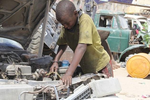 Somalia Não há esperança para a infância trabalhadora da Somália