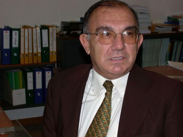 Yilmaz Akyuz1 629x472 Políticas do Norte prejudicam as economias do Sul