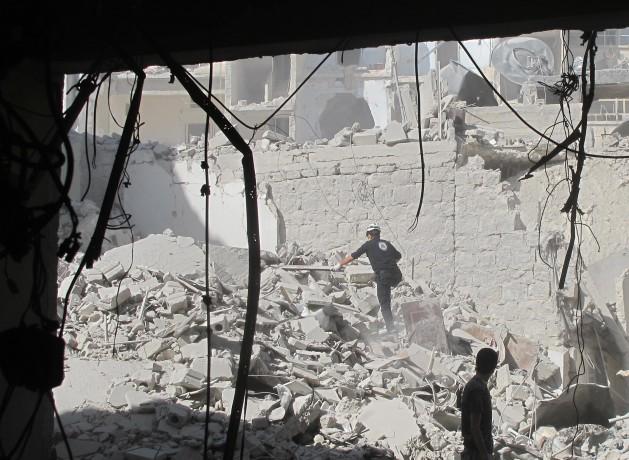 alepo20082014 Bombas barril ilegais arrasam o que resta de Alepo