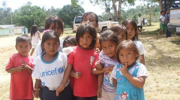 ninosindigenas Banco Mundial propõe excluir de proteção populações frágeis
