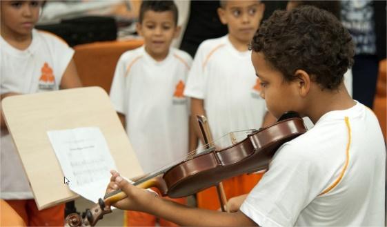 Fundação Itaú Social lança edital de apoio aos Fundos da Infância e Adolescência